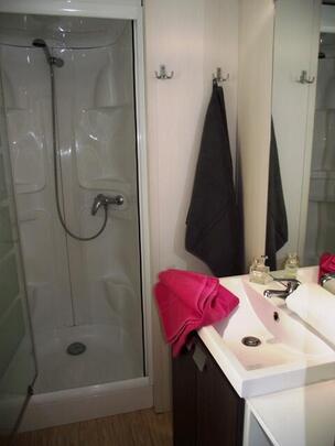 Marino Mobile Homes, husleje, Port Grimaud Prairies de la mer Badeværelset i modellen Exotique 3